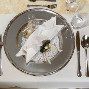 weberwirt-prebl-tisch-gedeck-deko-torten (1)